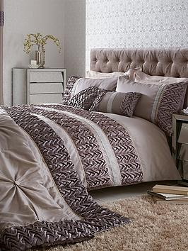 Mia Duvet Cover Set  SilverGrey  Mia Super King Duvet Cover Set