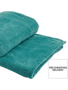 cascade-home-jumbo-fleece-throw