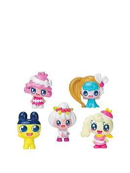 tamagotchi-friends-dream-school-classmates-5-figure-pack