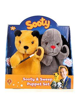 sooty-and-sweep-puppet-show