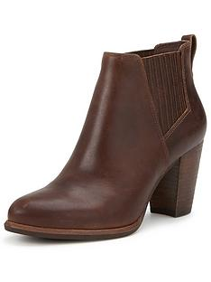ugg-australia-poppy-leather-chelsea-ankle-boot