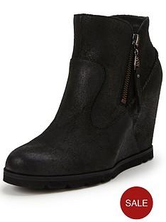 ugg-australia-myrna-leather-wedge-ankle-boot