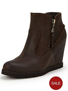 ugg-australia-myrna-leather-wedge-ankle-boot
