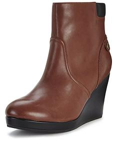 lacoste-lazaret-wedge-ankle-boot