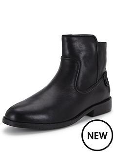 lacoste-rosolinn-ankle-boot