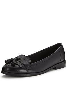 shoe-box-pacey-leather-tasselnbspfront-loafer