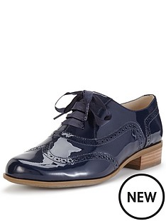 clarks-hamble-oak-brogue-shoes