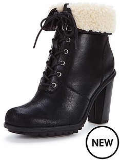 clarks-keswick-film-black-lace-up-ankle-boot