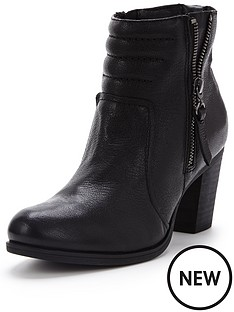 clarks-palma-trina-black-low-heeled-ankle-boot