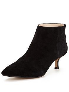 clarks-aquifer-diva-mid-heel-ankle-boot