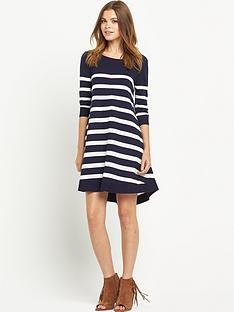 south-curved-hem-swing-jumper-dress