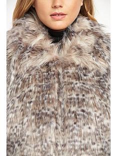 definitions-fashion-faux-fur-gilet