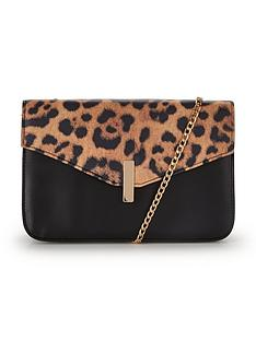 animal-envelope-top-chain-detail-shoulder-bag