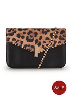 animal-envelope-top-chain-detail-shoulder-bag