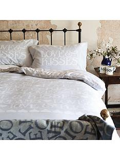 emma-bridgewater-black-toast-standard-pillowcase