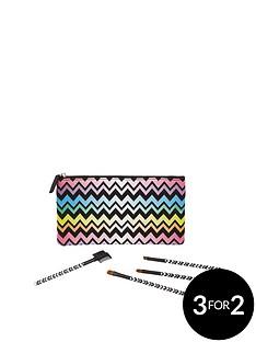 love-beauty-love-cosmetic-bag-set