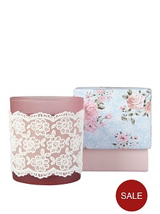 vintage-chic-lace-candle