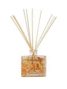 yankee-candle-signature-reed-diffusernbsp-nbspvanilla-satin
