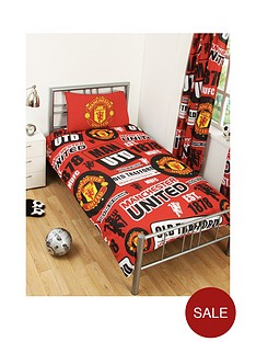 manchester-united-mufc-patchnbspduvet-cover-and-pillowcase-set-in-single-size