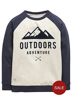 demo-raglan-sleeve-adventure-sweat