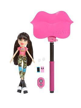 bratz-selfie-stick-with-doll-jade