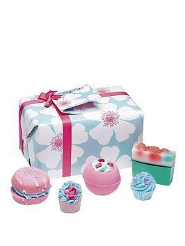 Bomb Cosmetics Bath Bomb Sky High Gift Set