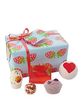 Bomb Cosmetics Bomb Cosmetics Bath Bomb Strawberry Patch Gift Set Picture
