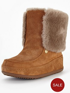 fitflop-mukluk-suede-boot