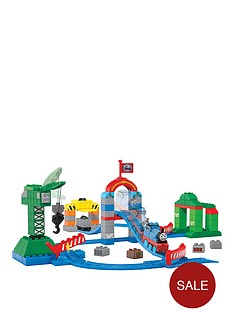 megabloks-mega-bloks-thomas-zooming-along-at-brendam-docks