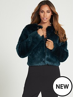 rochelle-humes-short-faux-fur-jacket