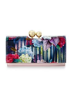 ted-baker-hydrangea-printed-purse