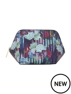 ted-baker-hydrangea-large-washbag