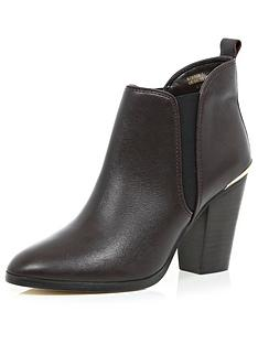 river-island-santynbspchelsea-heeled-boot-with-metallic-trim