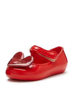 mel-cool-baby-heart-shoe