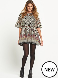 glamorous-border-print-dress