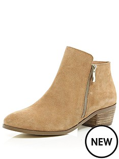 river-island-western-boot-with-low-block-heel
