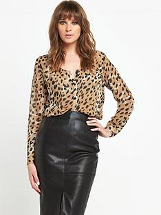 v-by-very-v-front-animal-blouse