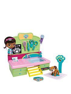 doc-mcstuffins-pet-vet-desk