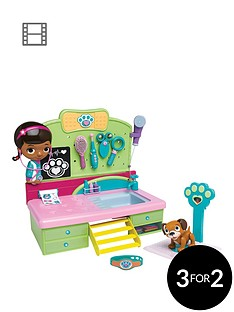 doc-mcstuffins-pet-vet-desk