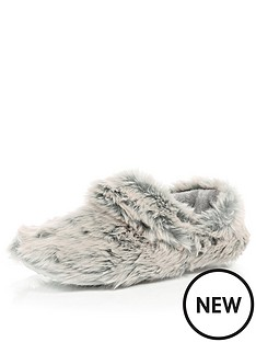 river-island-faux-fur-slippers
