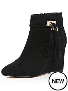 river-island-wedge-boot-with-buckle-and-tassel-detail