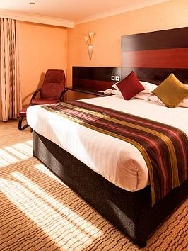 virgin-experience-days-one-night-break-with-breakfast-for-two-at-the-chester-abbots-well-hotel