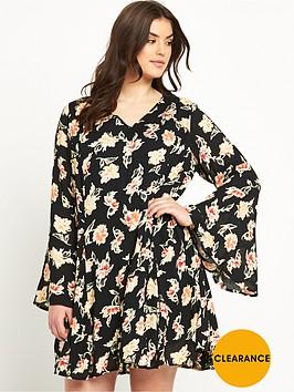 so-fabulous-bell-sleeve-lace-back-swing-dress