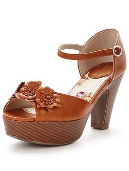 joe-browns-lazy-days-corsage-sandals