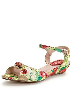 joe-browns-new-mexico-sandals