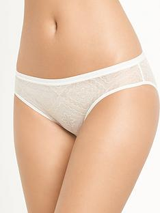 wonderbra-full-effect-lace-brazilian