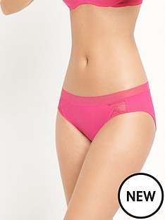 wonderbra-minimal-chic-brazilian-briefsnbsp