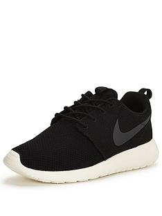 nike-roshe-one-shoe-black