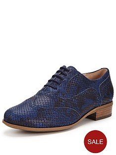 clarks-hamble-oak-brogue-shoe