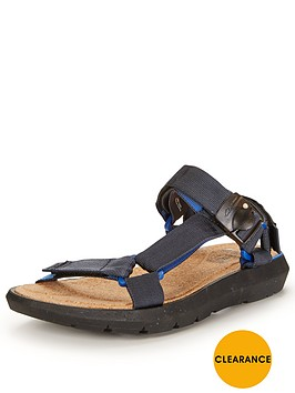 clarks-pilton-brave-sandal